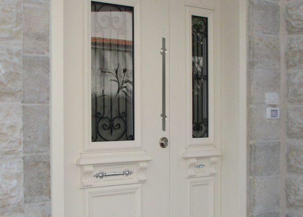 דלתות מדגם יווני